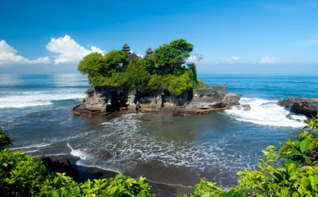 معبد تانا Tanah Lot Temple