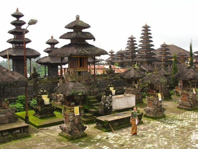 معبد اولاواتو Uluwatu Temple